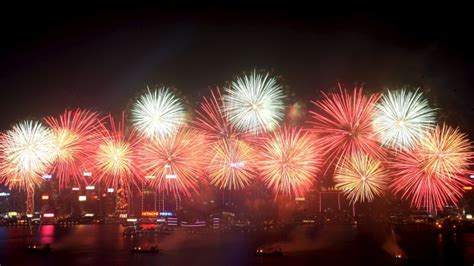 new year fireworks facts fireworks vibrant history history in the headlines