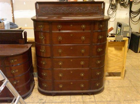 Mens Dressers Furniture I A Mens Chest And A Dresser With Mirror I