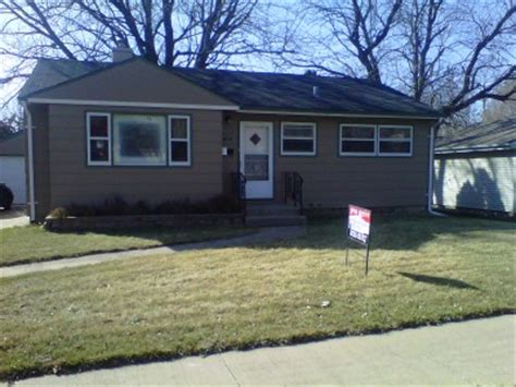 4 bedroom house with yard in sioux falls 4 bedroom