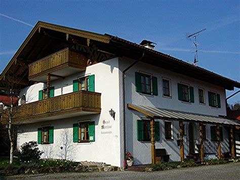 eingangsbereich haus ferienwohnung haus marina bad kohlgrub ammergauer alpen