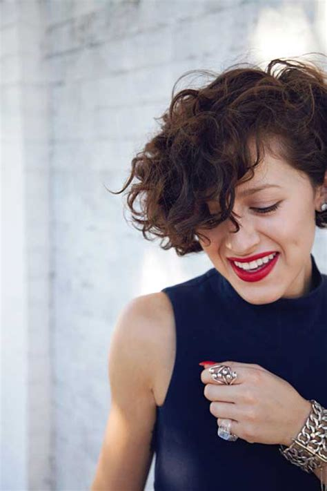 cute hairstyles for very curly hair hairstyles for short curly hair short hairstyles 2017