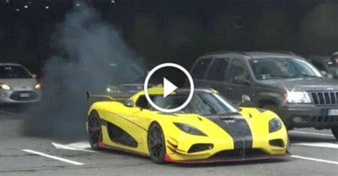 koenigsegg yellow stunningly beautiful yellow koenigsegg agera rs has an