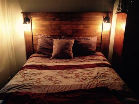 Headboard With Lights by Diy Pallet Headboard With Lights 101 Pallets