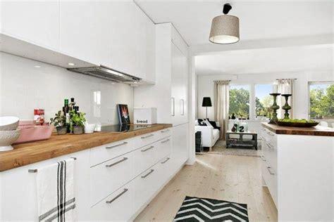 cuisine bois et blanche cuisine blanche et bois deco appartement