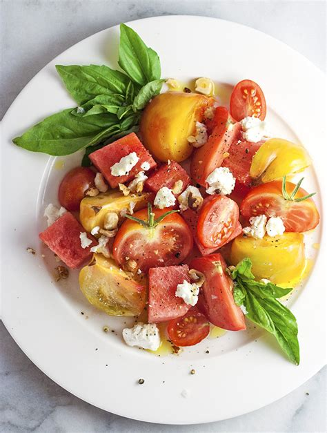 Garden And Gun Heirloom Tomato Salad Heirloom Tomato Salad Recipe Dishmaps