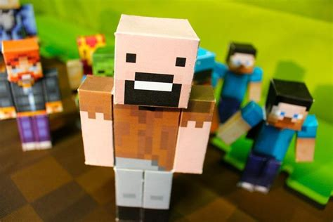 How To Make Paper Minecraft Characters - how to design and print tiny papercraft models of your