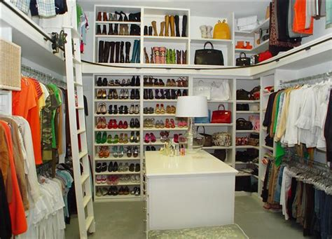 How Big Does A Walk In Closet Need To Be by Frame Fanatic Motivational Monday Walk In Closet