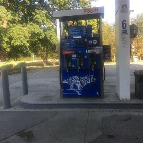 exxon gas station  yorktown