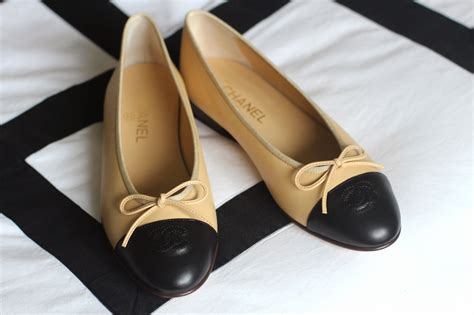 chanel ballet flat shoes the chanel ballet flat designer vintage