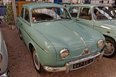 1961 renault dauphine file renault dauphine 1961 m a r c jpg wikimedia