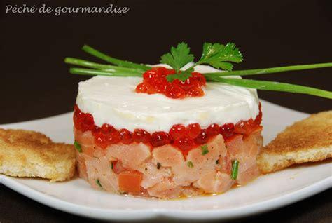 comment cuisiner des tomates s馗h馥s tartare de saumon frais et fum 233 accompagn 233 de ses oeufs et