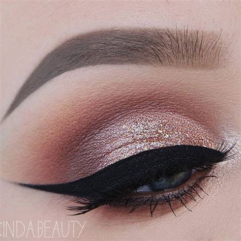 Eyeshadow Gold 25 best ideas about gold eyeshadow on
