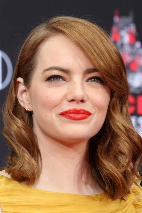 emma stone yearly income emma stone salary la la land