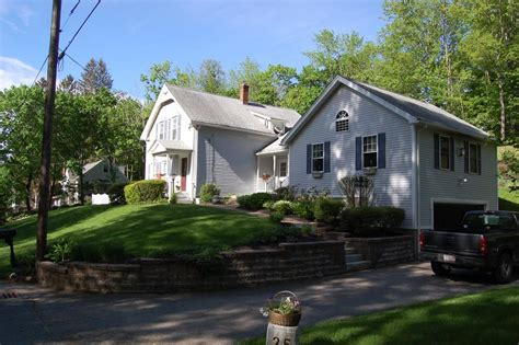 25 wilson st spencer ma 01562 mls 72169152 coldwell