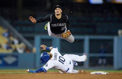 rockies nolan arenado awarded  consecutive nl gold