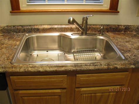 kitchen sink counter