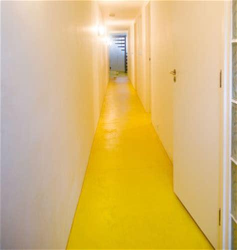 pittura per pavimenti pavimenti rinnovarli con la pittura colorata o resine per