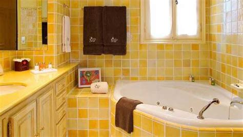 yellow tile bathroom ideas 25 modern bathroom ideas adding sunny yellow accents to bathroom design