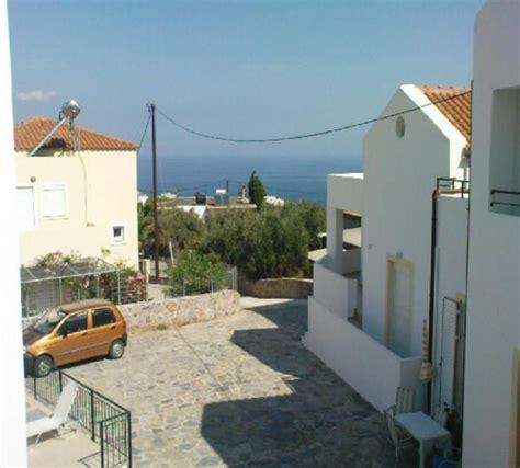 banche in cania lisara villa 2 avec piscine partag 233 e et wifi vues de la