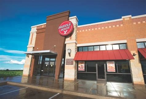 huddle house corporate huddle house serves up strong growth in 2014 restaurant magazine