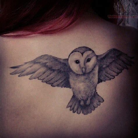 owl tattoo upper back flying owl tattoo on upperback