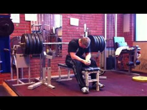 200kg bench press 200kg raw bench press 20 years old youtube