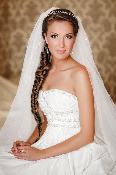 Hochzeitsfrisur Mit Schleier by Feminine Hochzeitsfrisur Mit Seitenzopf