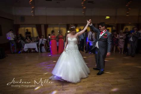 Choosing A Wedding Photographer by Tips On Choosing A Wedding Photographer