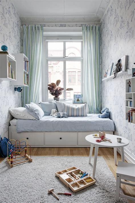 narrow bedroom ideas best 25 long narrow bedroom ideas on pinterest narrow