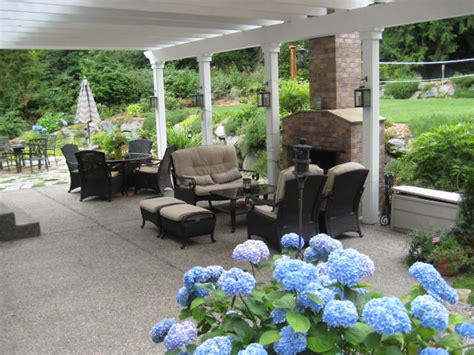 Backyard Vs Back Yard Deck And Patio Landscaping Ideas Deck Design And Ideas