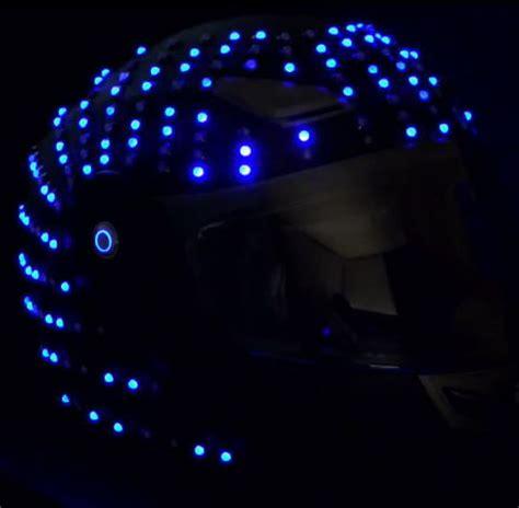le led moto insolite un casque moto 224 led l 233 quipement fr