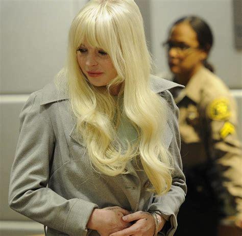 Lindsay Lohan And Coked Up During Crash by Unfall Lindsay Lohan Kracht Mit Porsche In M 252 Llwagen Welt