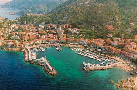 isola giglio vacanze in barca a vela all isola giglio e giannutri