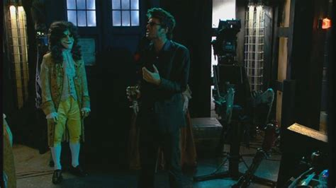 Dr Who The In The Fireplace by 2x04 The In The Fireplace Doctor Who Image