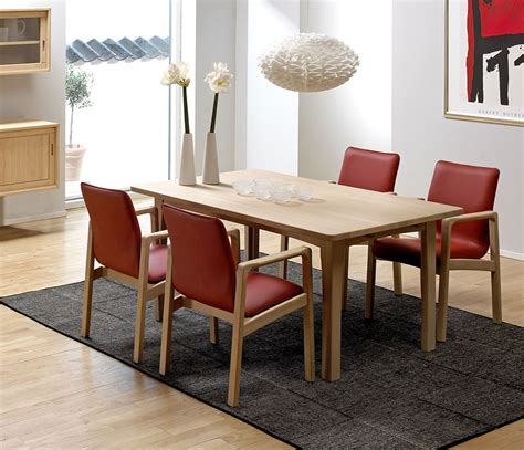 Solid Cherry Dining Room Furniture Classic Dining Room Tables Solid Wood Wharfside Furniture Circle