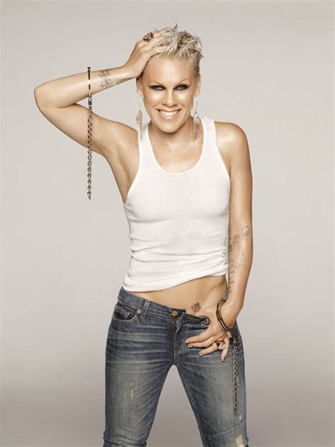 hollywood actress and singer singer pink bikini hollywood actress singer pink hot