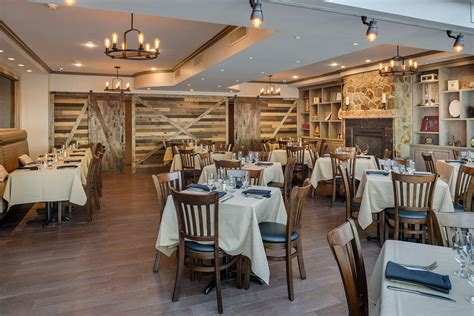 Barn Door Dining Area Slide 1 Barn Door Restaurant Barn Door Cafe