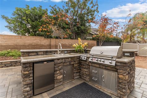 Eat In Kitchen Islands Outdoor Bbq Islands Alan Smith Pools
