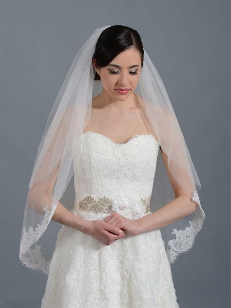 Wedding Veil by 2 Tier Ivory Alencon Lace Wedding Veil V042