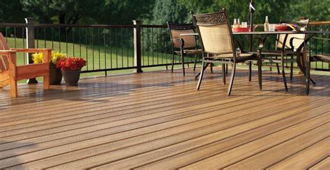 pavimento in wpc pavimenti per esterni in wpc eleganti come il legno e pratici