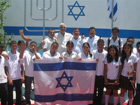 Offizieller Brief An Botschafter Israel Square In Estanzuela Eingeweiht
