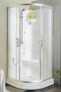 Tiny Bathrooms With Showers by Best 25 Small Shower Stalls Ideas On Pinterest Glass