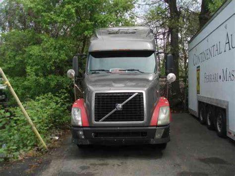 2006 volvo truck tractor volvo tractor 2006 sleeper semi trucks