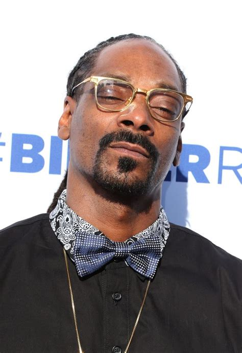 Snoop Dogg Criminal Record Texan Security Officer Ordered To Undergo Counselling After Posing For Photo With