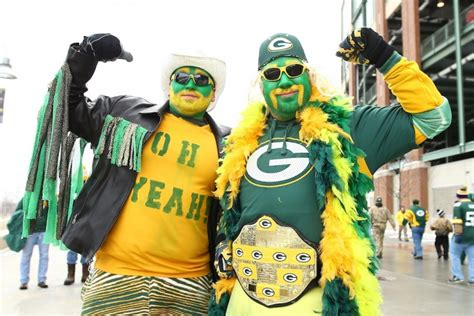 green bay packers fans 4 cities that have the biggest nfl fans