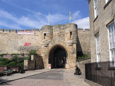 lincoln castle uk lincoln castle and fortifications midlands