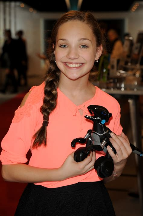 maddie ziegler grammys grammys 2015 inside the parties and the backstage