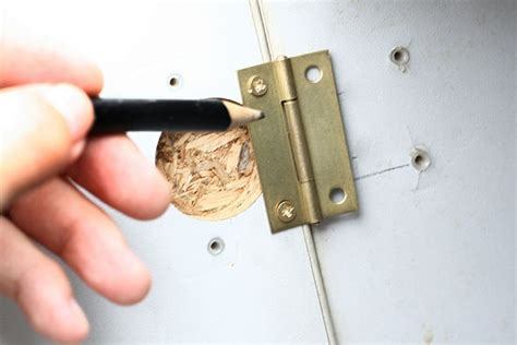 how to replace cabinet hinges 17 best images about do it yourself on closet