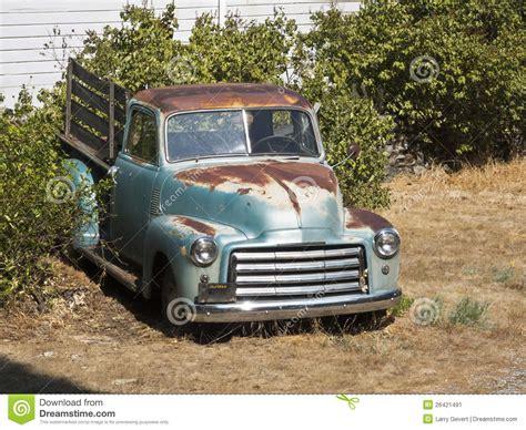 rusty pickup old rusty pickup truck stock image image 26421491