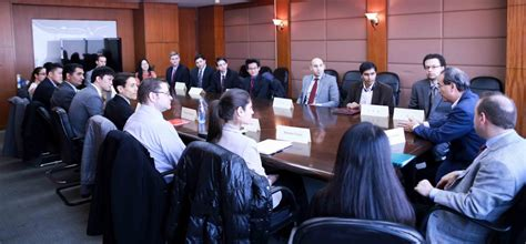 Bu Mba In Manufacturing by Students Turn Executives For A Week Questrom